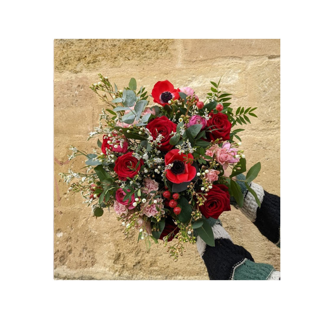 bouquet de saison avec roses rouges